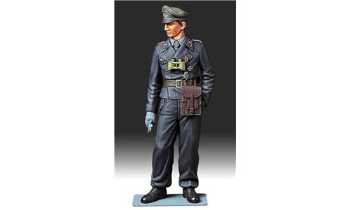 Wehrmacht Tank Crewman in scala 1/16 Tamiya 36301 * EURO 14,50 in kit ** Euro 34,50 Costruito (Iva Incl.)