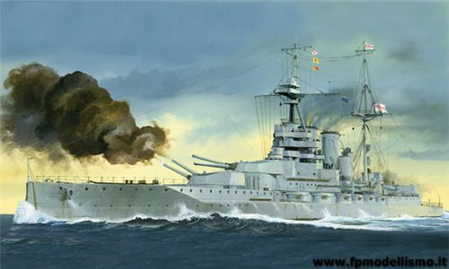 HMS Queen Elizabeth 1918 in scala 1/700 TR05797 * EURO 35,60 (Iva incl.)